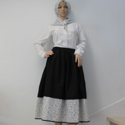 Falda tradicional negra